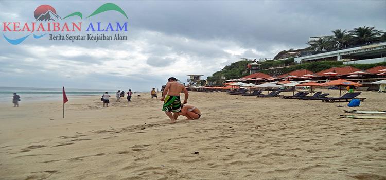 .Pantai Dreamland