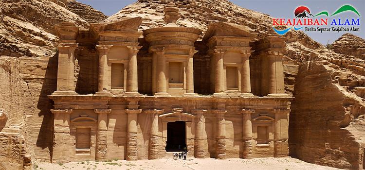 Keajaiban Alam Petra Jordan