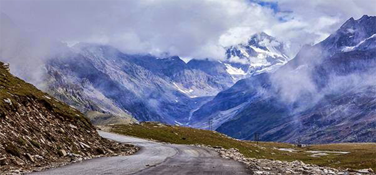 Rohtang Pass, India