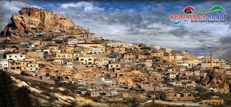 Keajaiban Alam Cappadocia Cave Houses, Turkey