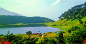 Pesona Danau Ranu Kumbolo Di Gunung Semeru