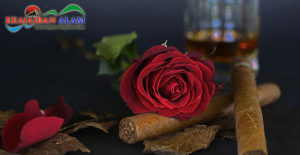 Hadir Trend Unik Sensasi Merokok Dengan Balutan Gulungan Kelopak Mawar