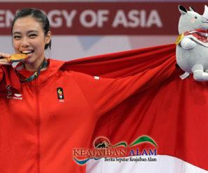 Mengapa Atlet Olahraga Suka Menggigit Medali Emas Sewaktu Juara? Ini Alasannya!