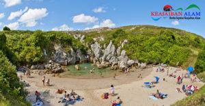 Mengintip Eloknya Pantai Unik Gulpiyuri Tanpa Laut di Spanyol