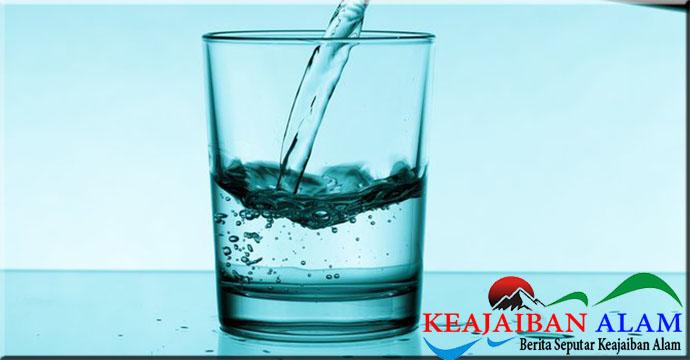 Terapkan Pola Minum 2-4-2 Agar Tidak Alami Dehidrasi Saat Jalani Puasa Ramadan